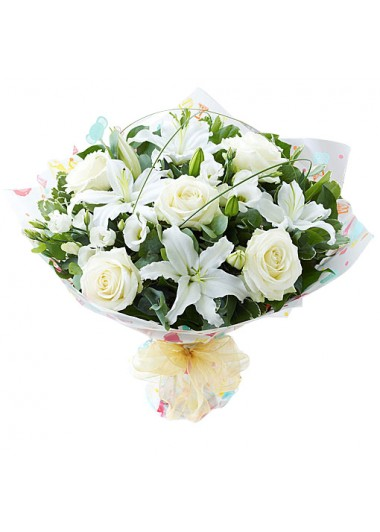 Beyaz Lilyum Gül Buketi